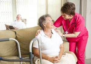 Praca przy opiece nad osobami starszymi